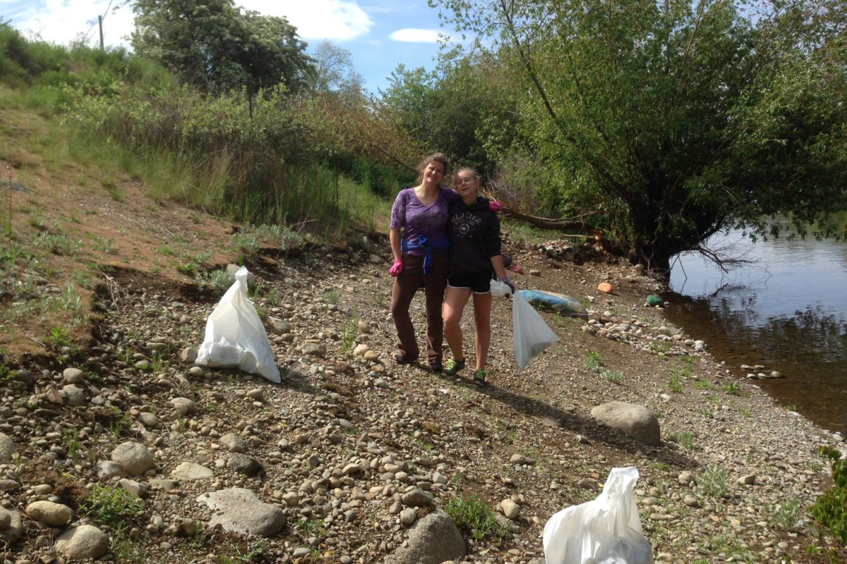 River Cleanup continues with Temple Beth Shalom